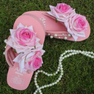 Women Double Shaded Roses & Pearls Peach Thick Slipper