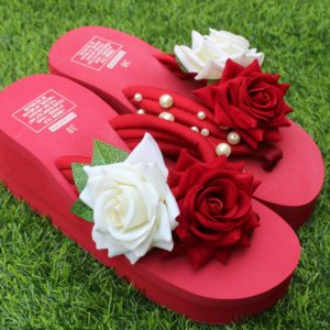 Women Mahron White Roses & Pearls Mahron Thick Slipper