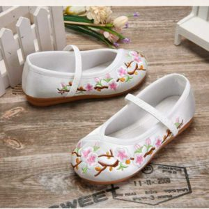 White Flower Embroidery Shoes